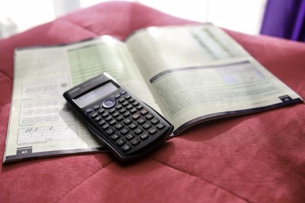calculator-scientific-numbers-finance-statistics
